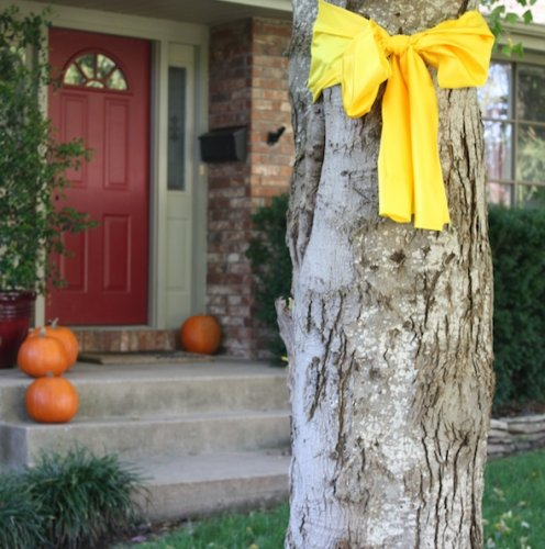 Yes, Tie a Yellow Ribbon Round