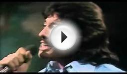 Tony Orlando & Dawn ~ Tie a Yellow Ribbon Round the Ole